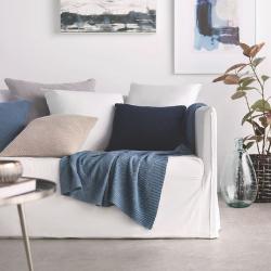 Biele obývacie steny potešia vaše oko