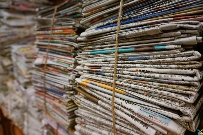 Poviazaný starý papier